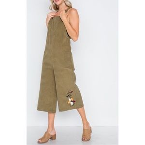 🌟SALE🌟OLIVE FLORAL EMBROID CORDUROY BOHO OVERALL